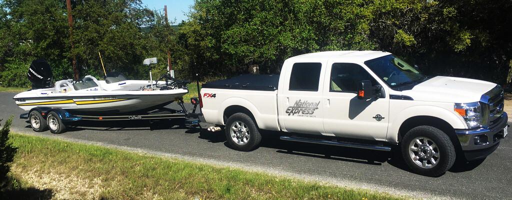 independant hauler pulling boat