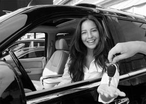 woman happy getting her keys after transport