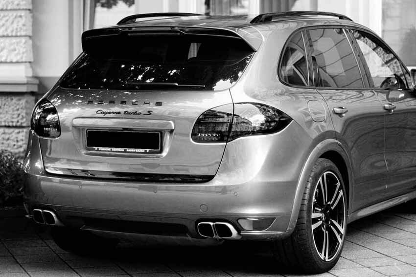 sporty suv ready to ship black and white